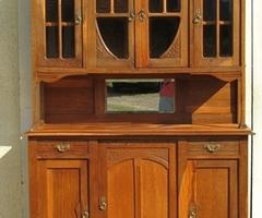 Majestueux buffet époque Art Nouveau en chêne massif , vendu