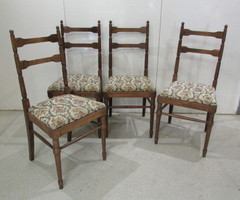 4 chaises légères et élégantes , vendues