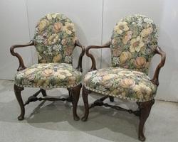 Paire de fauteuils anglais , réservés