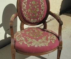 Fauteuil médaillon ancien Louis XVI , chevillé