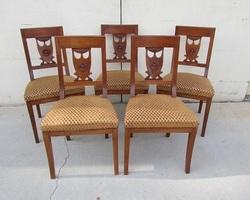 Lot de 5 chaises en merisier massif chevillé