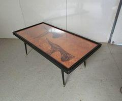 Table de salon des années 70, Hugues Poignant