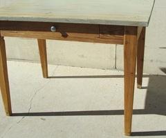 Table d'écriture shabby des années 1900 ,vendu