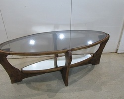 Superbe table basse ovale , très Design