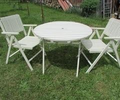 Table et 2 fauteuils de jardin pliants vendus
