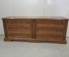 Double commode , enfilade à tiroirs