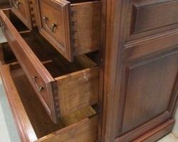 Commode en acajou , 5 tiroirs de qualité