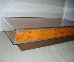 Table de salon en loupe d'orme ,vendu
