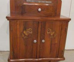Petit chevet Art-déco , deux portes , vendu