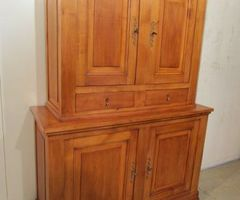 Buffet deux corps, ancien mais contemporain
