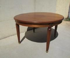 Table en teck art déco , ouvrante pour 14-16 personnes ,vendu