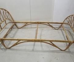 Lit 90 x 190 cm en rotin des années 60 , vendu