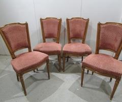 4 chaises en parfait état, style Louis XVI ,vendu