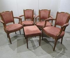 2 fauteuils et un pouf , de style Louis XVI