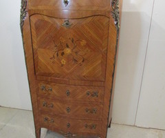 Secrétaire à abattant style Louis XV , marqueté ,vendu
