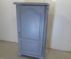 Grand confiturier , meuble de rangement ,vendu