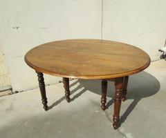 Table ovale , 6 pieds , à abattant , ouvrante et en chêne