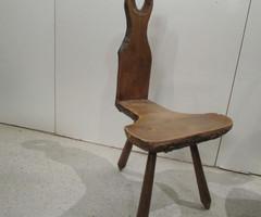Chaise trépied artisanale ,vendu