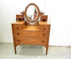 Commode coiffeuse en chêne massif, miroir oscillant ,vendu