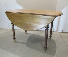 Table à abattant en carolin ,vendu