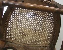 Lot de chaises époque Louis Philippe en noyer