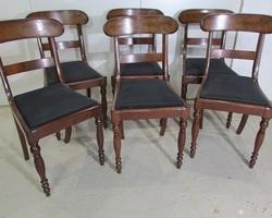 Suite de 6 chaises de style restauration en acajou
