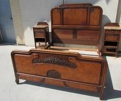 Lit et tables de nuit des années Art Nouveau , vendu