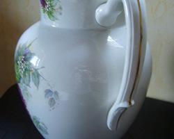 Broc et cuvette en semi-porcelaine, anciens