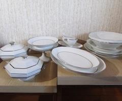 Service de table en porcelaine française signée M&S, art déco