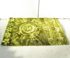 Beau tapis hollandais KVT , design , très lumineux , vendu