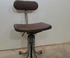 Chaise bienaise industrielle , tabouret d'atelier des années 30