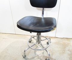 Chaise industrielle des annees 50 , Vendue