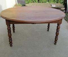 Table ovale à abattants, en chêne massif