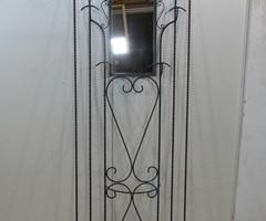Porte-manteau vintage , vestiaire mural en fer forgé torsadé , vendu