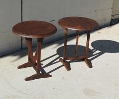 Paire de mini-tables vigneronnes en merisier , vendu