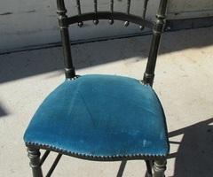 Chaise Napoléon III , en bois noici , bleu , vendue