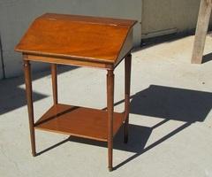 Petit bureau , pupitre d'écolier , vendu