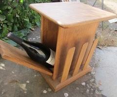 Petit meuble d'appoint, bar, chevet, table de salon, porte-revue....