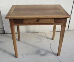 Table d'écriture, bureau plat, ou table de cuisine en noyer , vendu