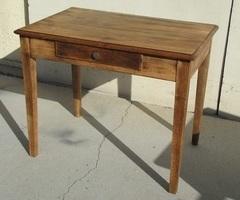 Petit bureau plat , table en chêne et peuplier, vendue
