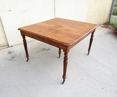 Table de salle à manger ancienne ouvrante 5 pieds , vendue