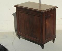 Bibus , petit meuble de comptoir ou bar , vendu
