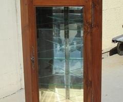Vitrine d'angle, encoignure vitrée , vendue