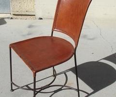 Chaise en fer forgé et cuir artisanale, vendue