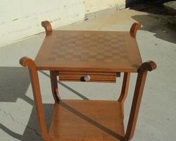 Table à jeux , table de salon, années 40 , réservée