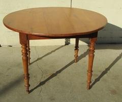 Petite table ronde en merisier, 1900s , vendue