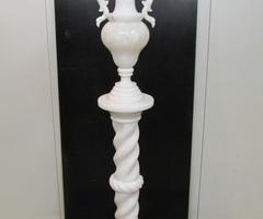 Colonne et vase Médicis en marbre, albâtre, 1970s