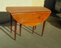 Table ronde 6 pieds, à abattant , ouvrante, en merisier