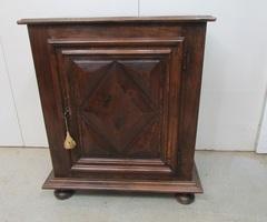 Confiturier en bois des années 50 de style Louis XIII