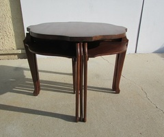 Ensemble de tables gigognes , modulables , vintages , vendu